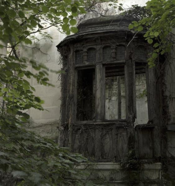 abandoned-castle-2