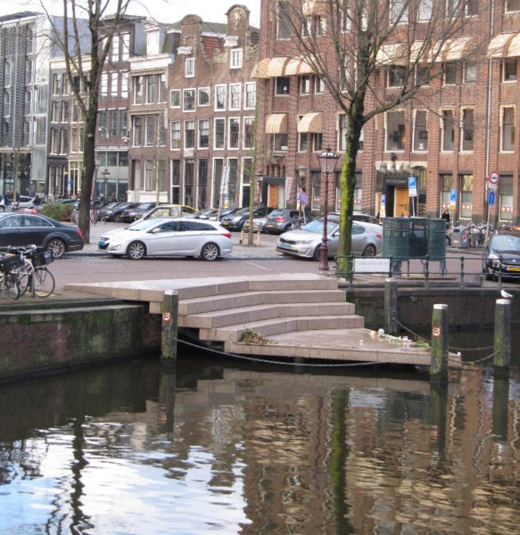 The Homomonument on the Keizersgracht. Behind it are the Westerkerk on the left and the Anne Frank house on the right. Courtesy of Jennifer S. Alderson
